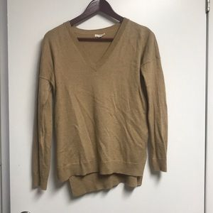 Gap VNeck Camel Sweater